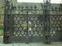Domènech i Montaner: Comillas Cemetery Iron forged door